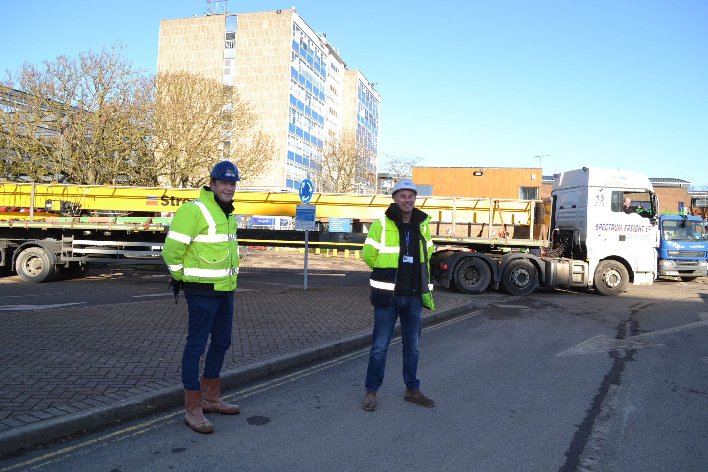 MMC Crane delivery at Bedford College